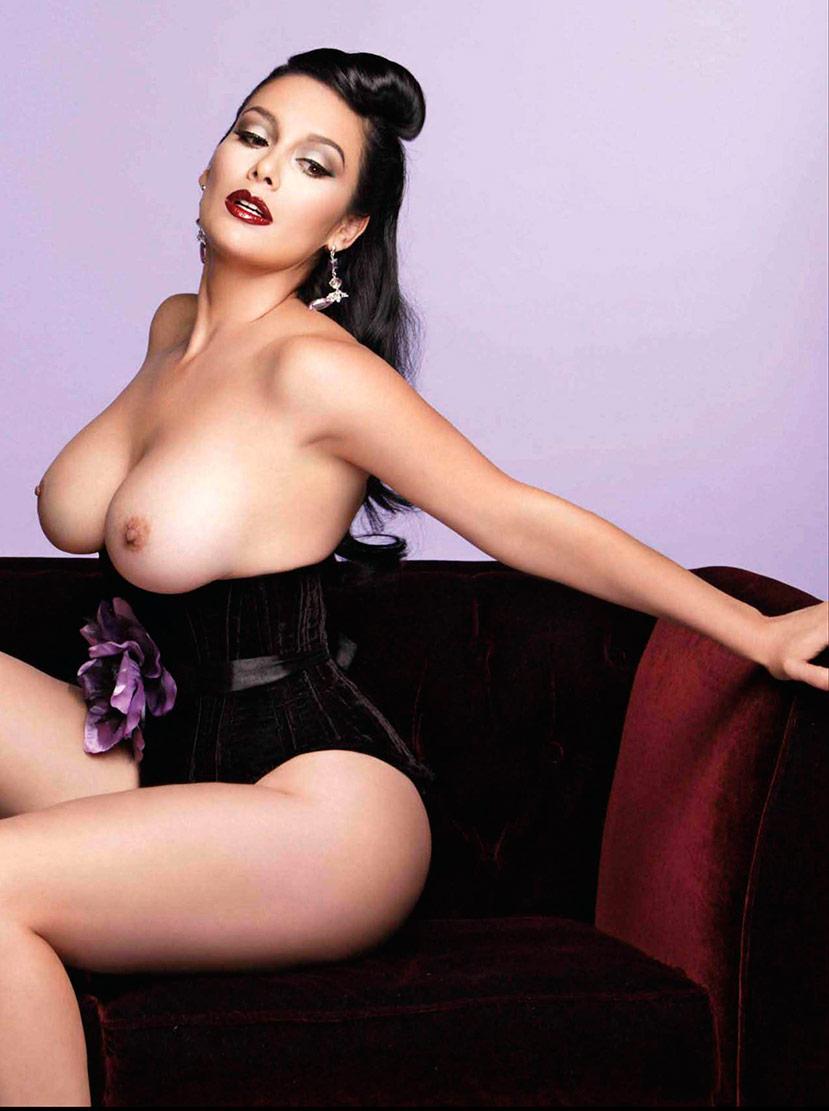 Sugey Abrego Se Desnuda Diciembre