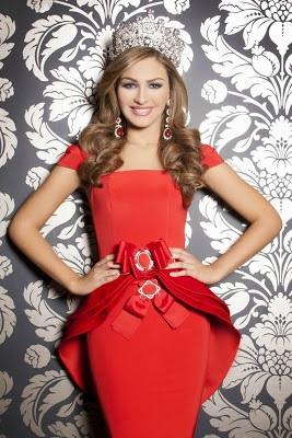 """Migbelis Castellanos, """"Miss Venezuela 2013"""" , se divirtió con el"""