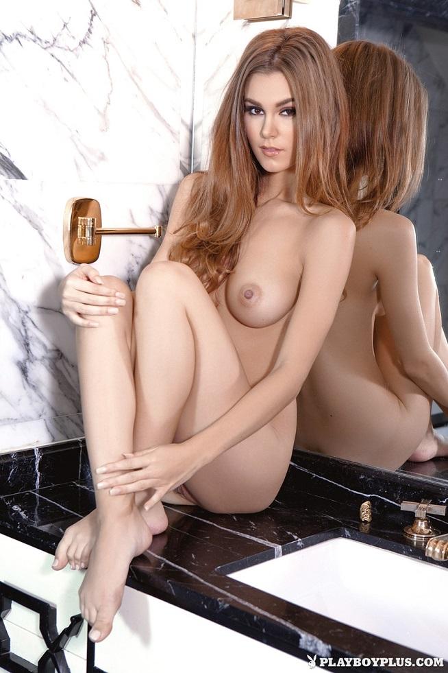 image Mi esposa espiada en la ducha