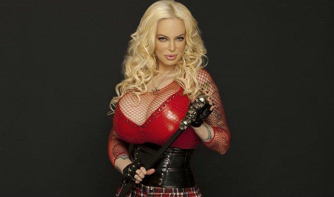 Debuta Sabrina como actriz porno