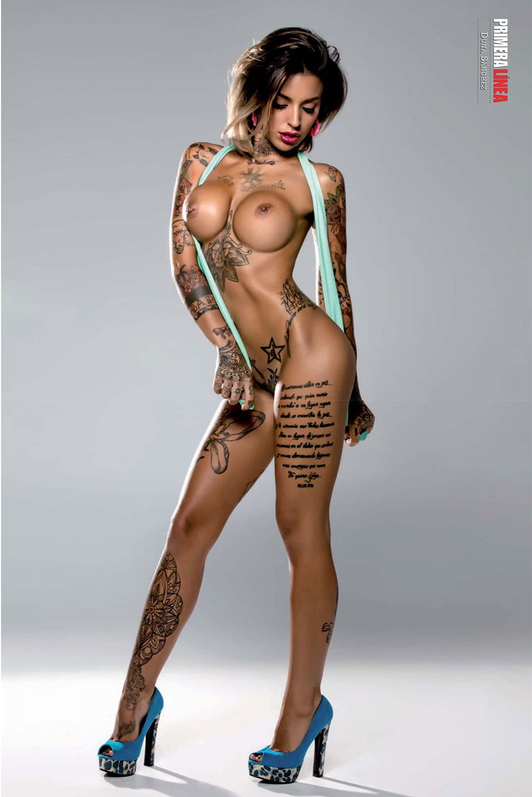 La Escultural Duna Sánchez Posa Desnuda Para La Revista Primera