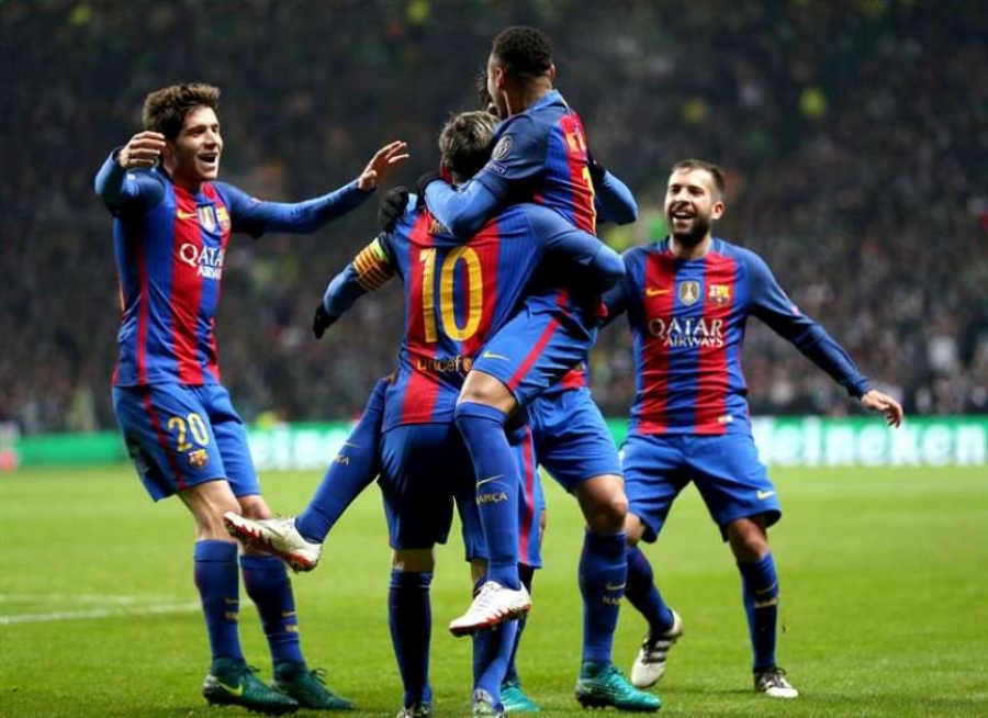Messi marcó un doblete, logró otro récord y clasificó al Barcelona