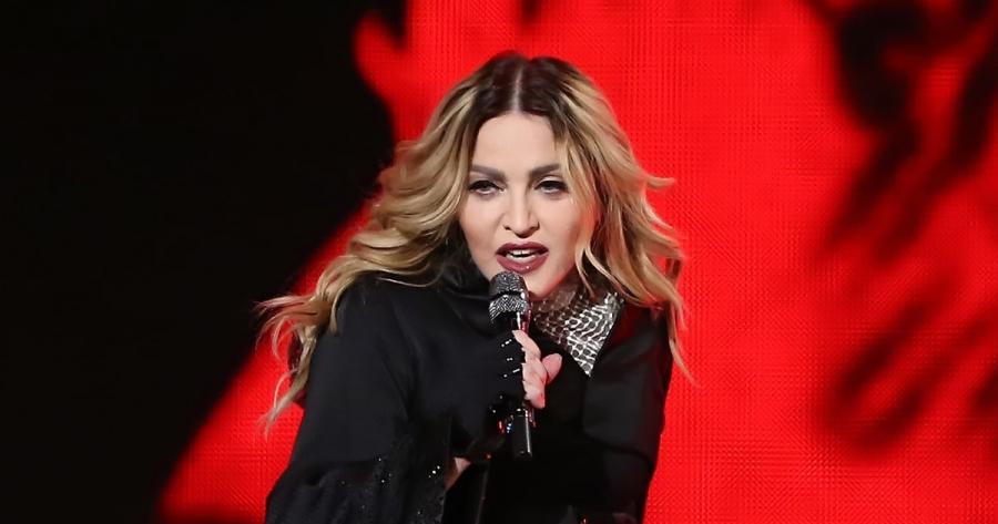 Madonna hace esta candente oferta sexual a quien vote por Hillary Clinton