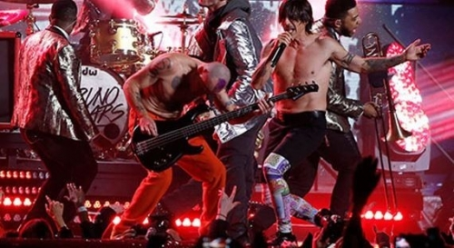 Red Hot Chili Peppers alista un súper concierto en Cuba para 2018