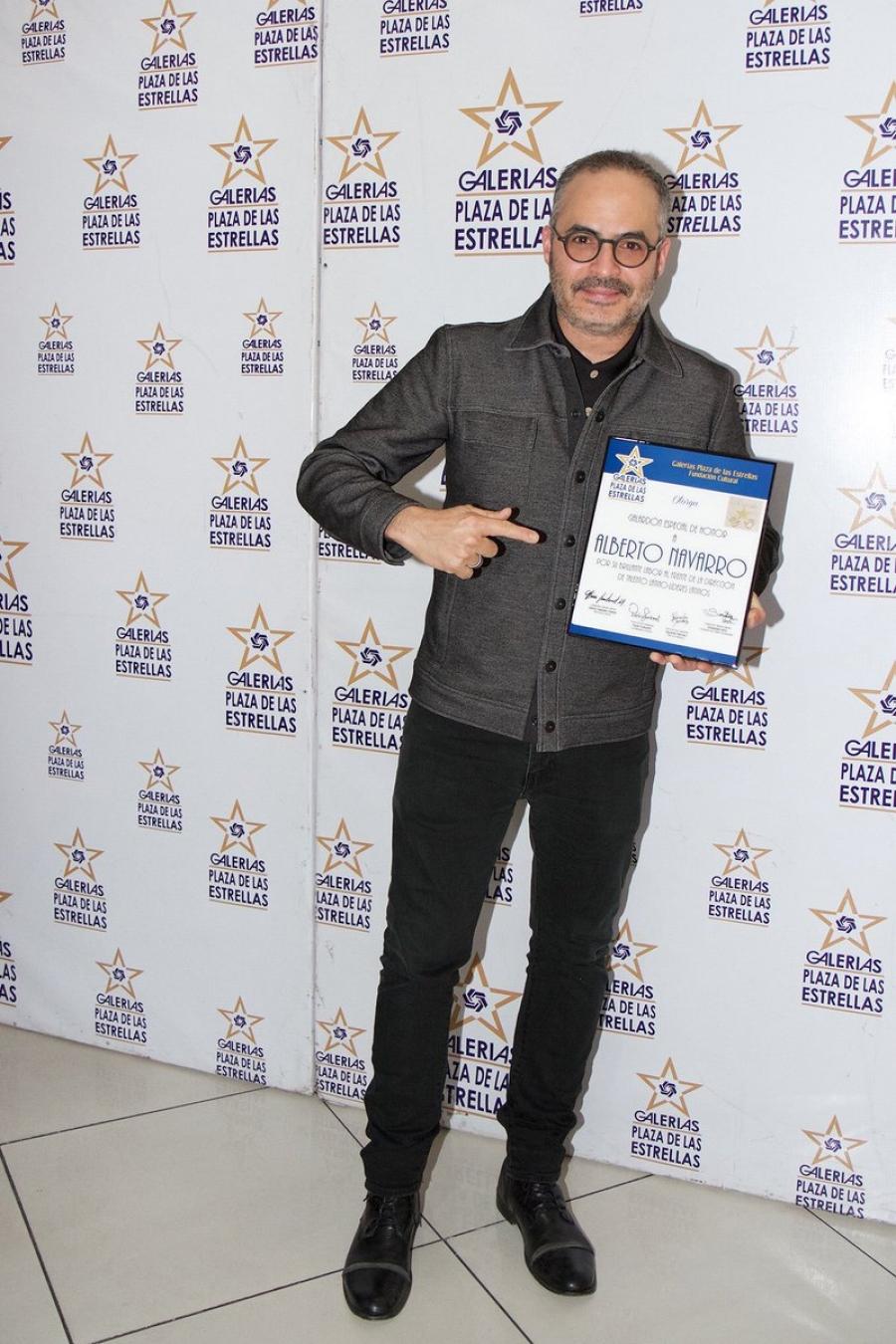 Alberto navarro recibe merecido homenaje en el paseo de - Alberto navarro ...