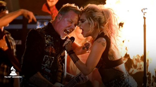 Micrófono protagoniza accidentada actuación de Lady Gaga y Metallica (+Video)