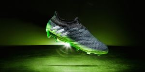 adidas lanza las botas Messi16 Space Dust en una distintiva paleta de color Solar